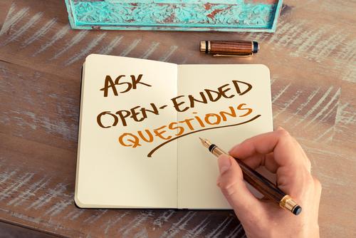 話しを拡げる、英語での質問の作り方|2つの質問の型を使い分ける
