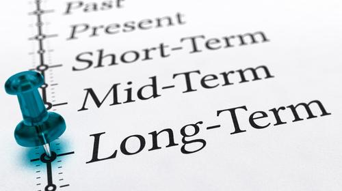 必須のビジネス英語|「期限」「期間」「締め切り」を表わす、ネイティブの英語表現