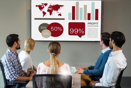 プレゼンや会議で、始めにグラフやチャートに注意を向けさせる英語フレーズ
