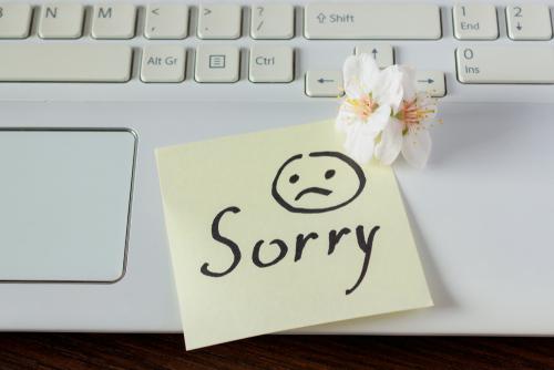 「申し訳ありません」「ごめんなさい」謝罪を伝える英会話例文