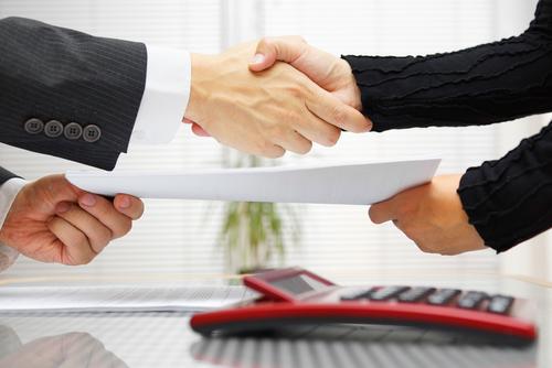 【交渉の英語】12段階の交渉プロセスに応じたネイティブの英語表現:交渉前、条件提示と折衝、合意形成や決裂、確認まで