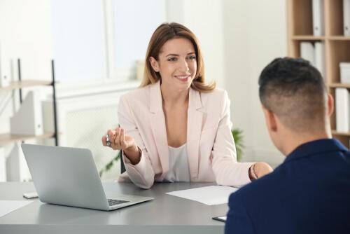 ビジネス英語:転職、MBAの英語面接の英語フレーズと例文