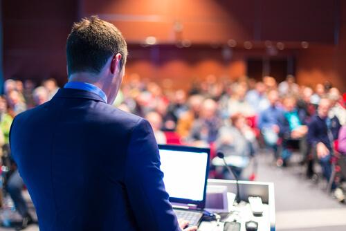ビジネス英語:プレゼンテーションのフレーズと例文