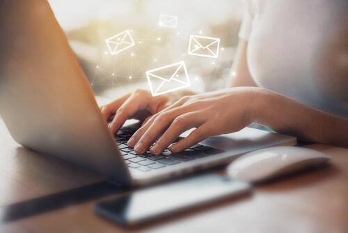 ビジネス英語:メールの書き方、英語フレーズと英語例文