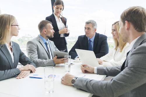 ビジネス英語:会議のフレーズと例文