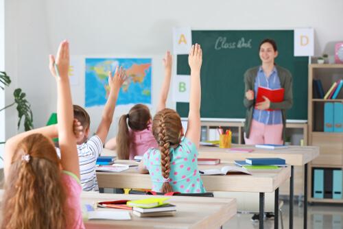 小学5年生・6年生の英語の教科書と授業時間