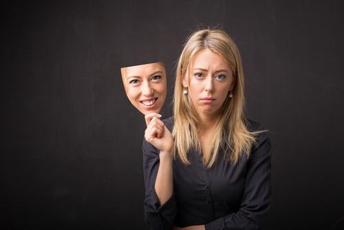 ネイティブの英語表現例:自分が思う「自分の顔」と「実際の顔」