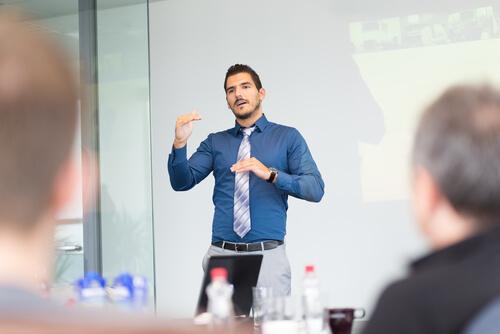 英語会議や英語プレゼンなど、ビジネスの場への応用