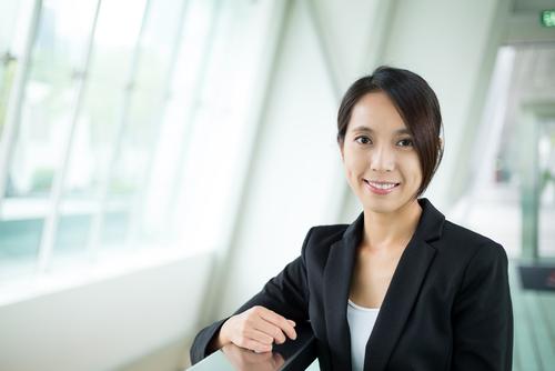 日本の職場での女性の状況について、オンライン英会話で議論