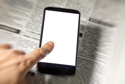 オンライン英会話での、主な論点4│情報収集における新聞とインターネットの違い