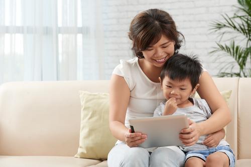オンライン英会話での、主な論点4│母親同士のSNSがストレスに繋がる理由