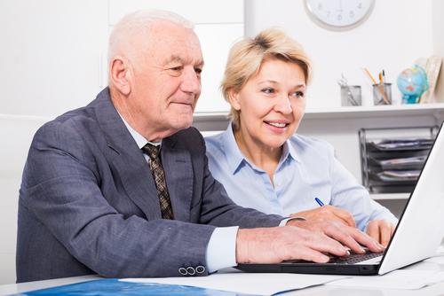 オンライン英会話での、主な論点4│高齢者の労働が社会に及ぼす影響