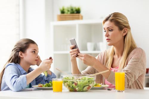 ネイティブ講師と学ぶ、英語表現の作り方1|母親たちのソーシャルメディア