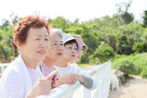 オンライン英会話での、主な論点1│4人に1人が高齢者
